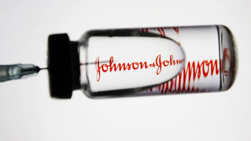 VACCINUL Johnson & Johnson, SUSPENDAT în Belgia la persoanele sub 41 de ani, după ce o femeie a MURIT vineri de tromboză severă