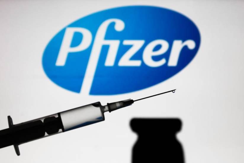 Vicepreședinte Pfizer, Dr. Michael Yeadon: Guvernul Vă Minte În Așa Hal Încât V-Ar Putea Duce La Moarte, Pe Voi Și Pe Copiii Voștri.