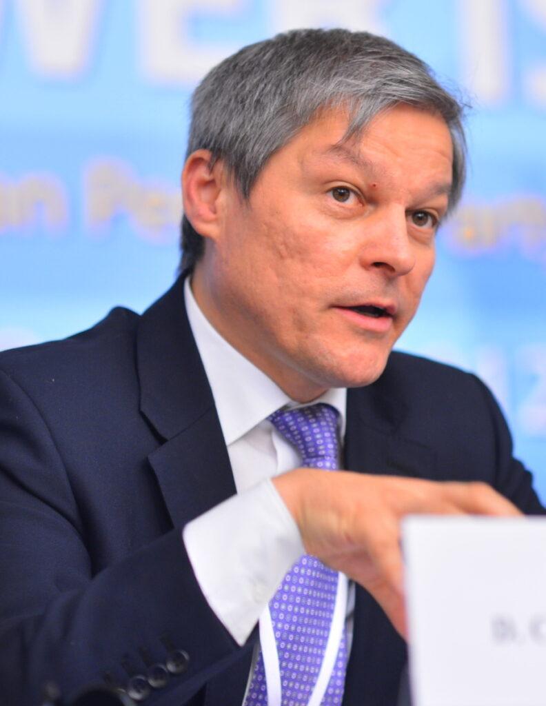 """""""Așa e creștinește"""" – spune Dacian Cioloș, după ce a votat pentru bărbaţii transsexuali care pot naşte"""