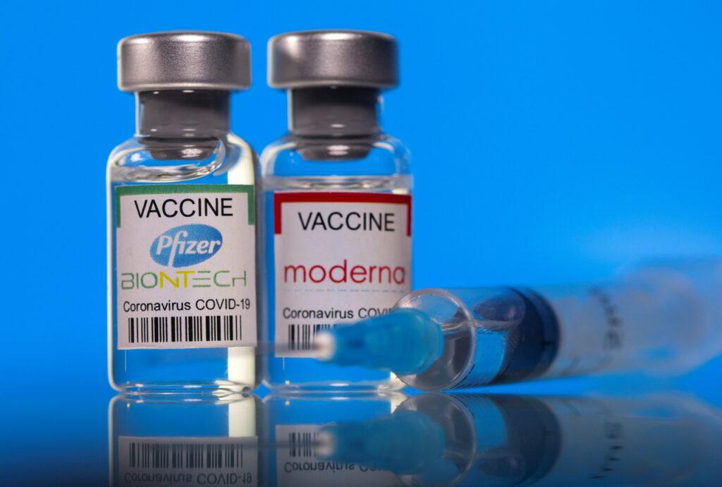 Pfizer și Moderna studiază posibilitatea vaccinării copiilor cu vârsta de până la 6 luni