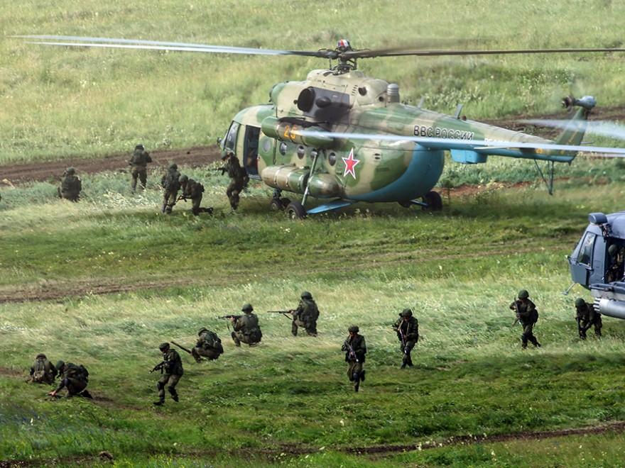 Rusia antrenează spioni pentru a-i trimite în România,Într-o tabără militară din Transnistria