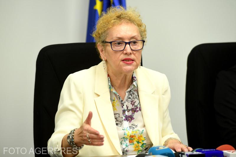 CCR a stabilit că este neconstituţională hotărârea Parlamentului pentru revocarea lui Renate Weber din funcţia de Avocat al Poporului