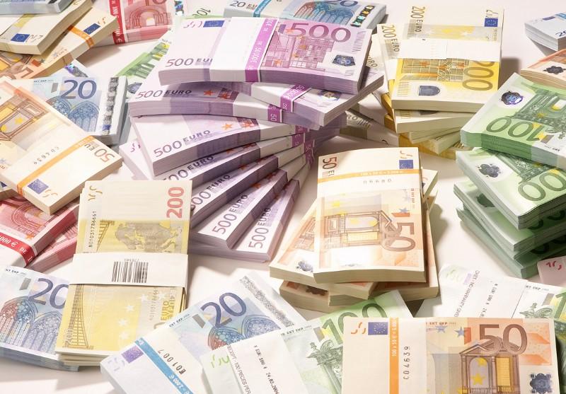 Guvernul Cîțu îndatorează din nou România cu sute de milioane prin împrumuturi dezavantajoase