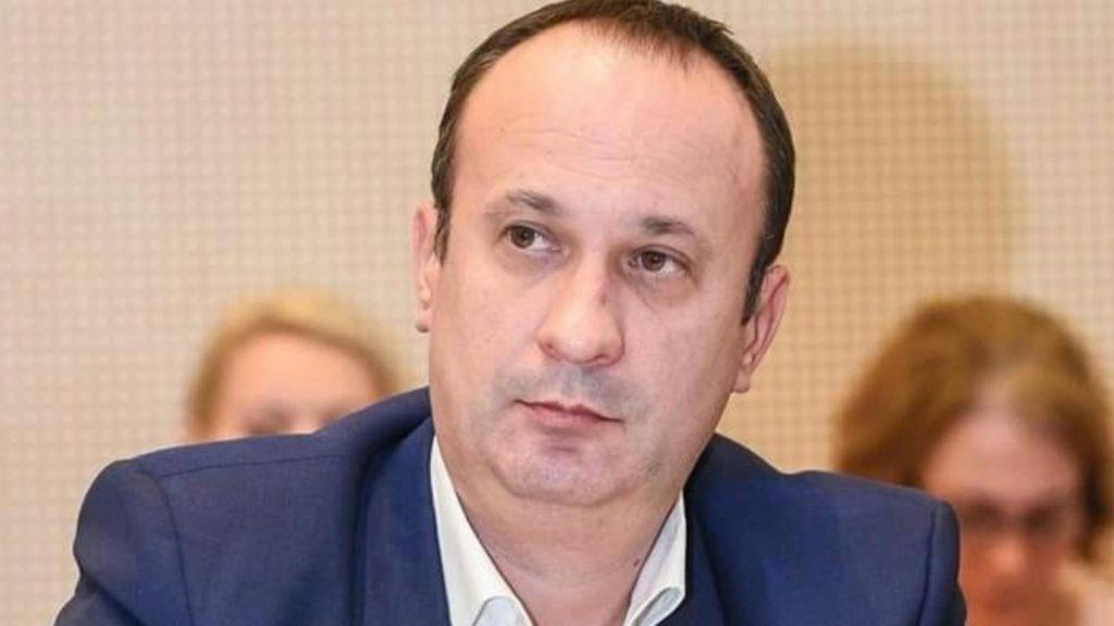 Adrian Câciu reacționează la scumpirea facturilor românilor- Guvernul a făcut asta intenționat pentru a umple buzunarele unora pe seama celor mulți
